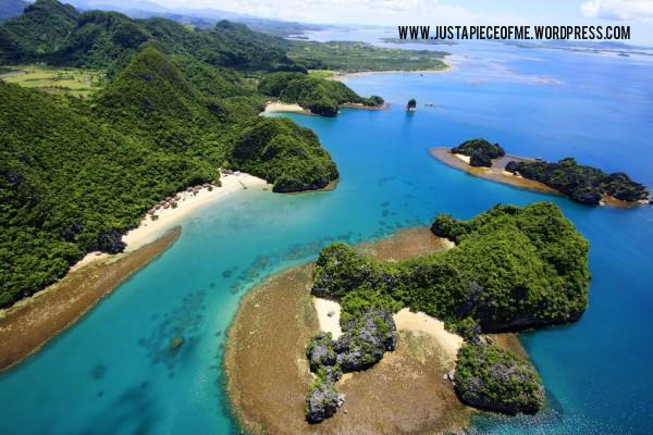 One of the beautiful places to see in the Philippines: Caramoan Island.