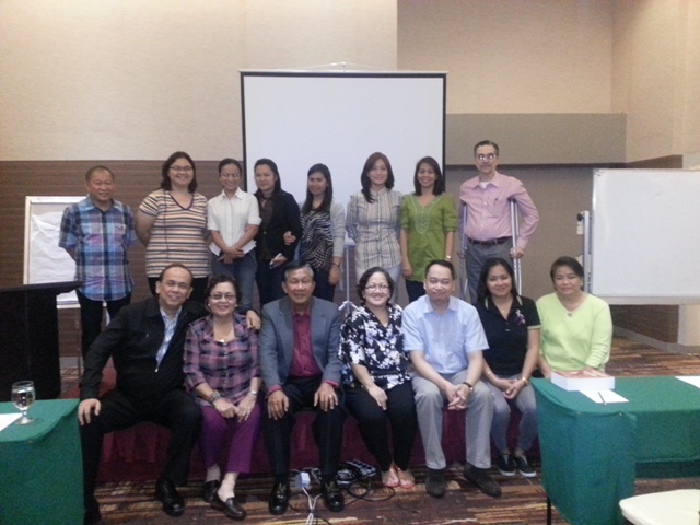The seminar participants with Atty. Mamalateo.