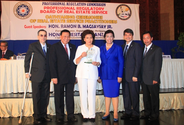 The Board Members of Professional Regulatory Board - Real Estate Service poses for photo with PRC Chairperson, Teresita Manzala and Jun Magsaysay's sister, Mila Magsaysay-Valenzuela.