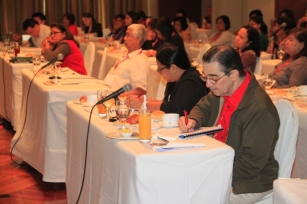 Ramon CF Cuervo III taking notes on the lecture being given by Atty. Justina Fernandez- Callangan.